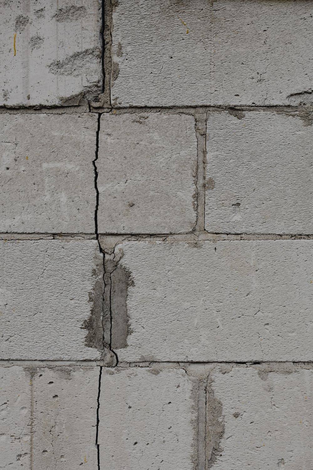Should Your Landlord Fix Cracks To The External Walls Of Your Rented Property?