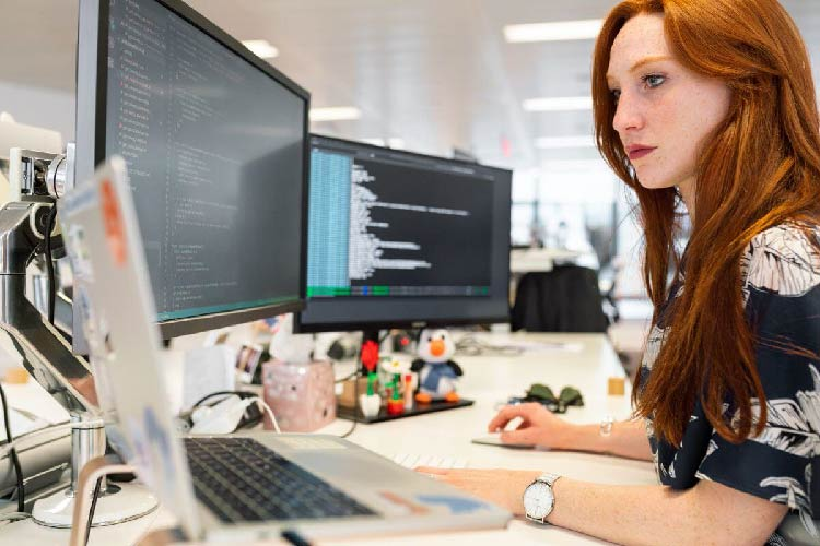 Skills and Qualities of a Successful CMS Developer