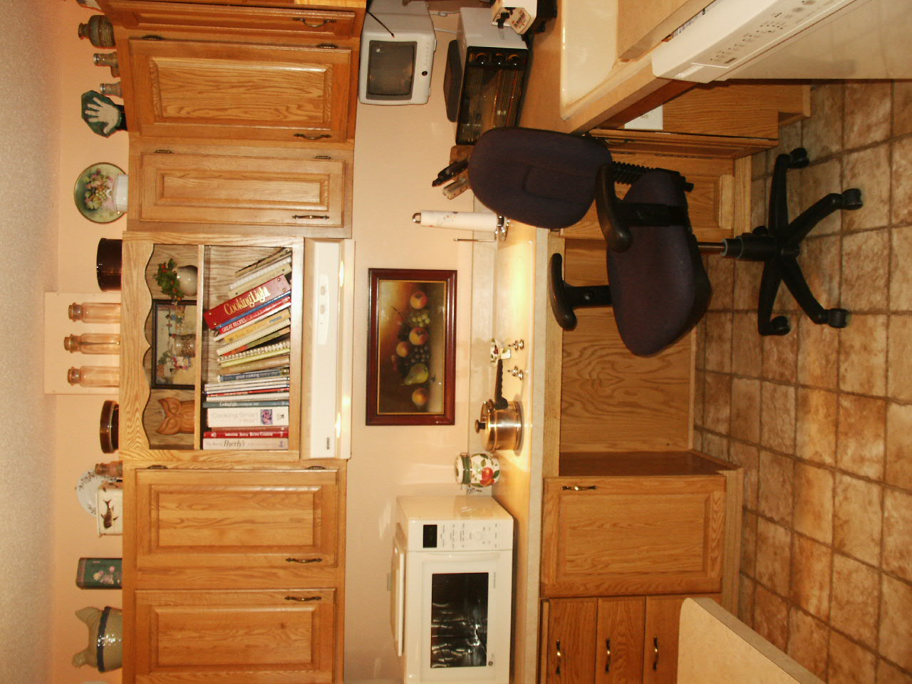 Jeanne's accessible kitchen that allows her to comfortably cook while in a seated position.