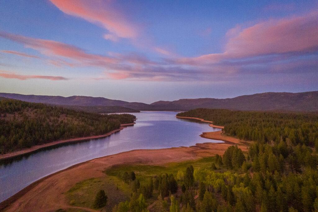 Have a picnic at Stampede Reservoir