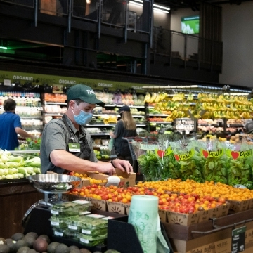 Truckee grocery stores, catering, markets and grab 'n go.