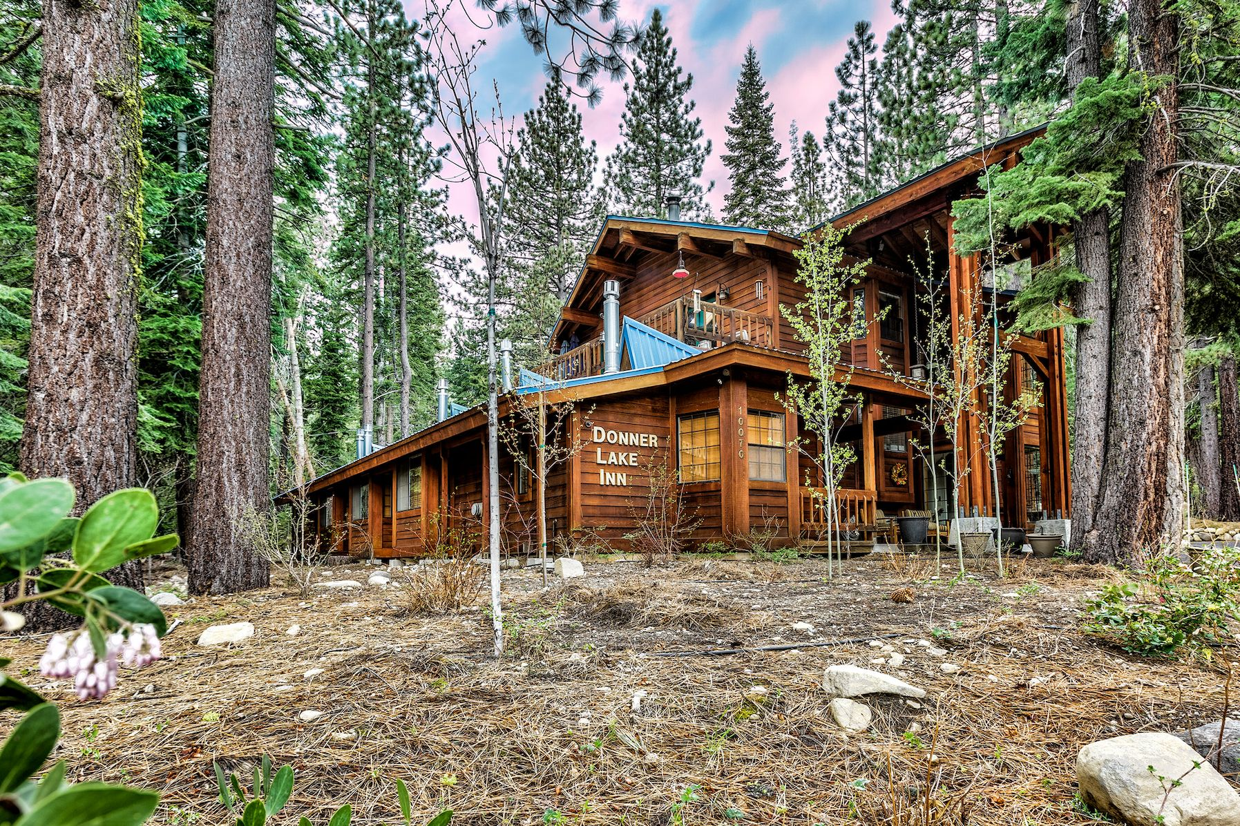 Book a stay at the Donner Lake Inn Bed and Breakfast.