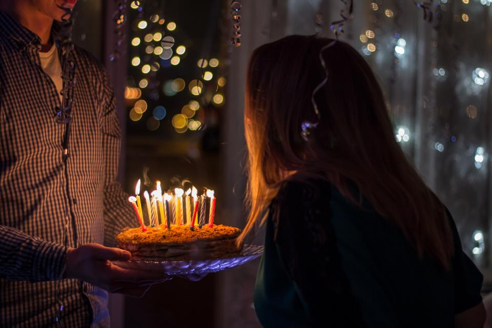 Facebook ads for restaurant leads birthday candles