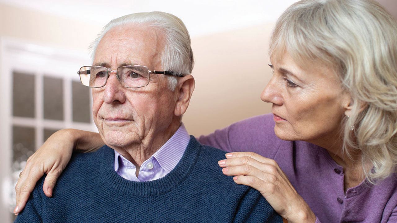 elderly couple curing intense knee pain