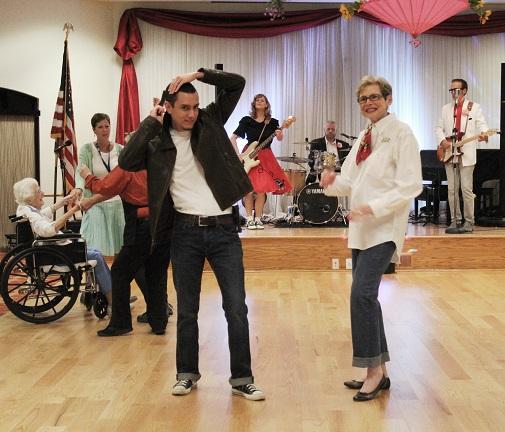 At Royal Oaks, dancing brings out the masses!
