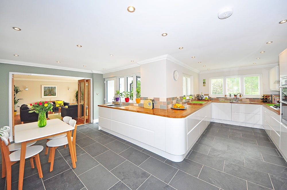 A kitchen with clean tiles.