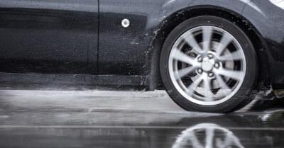 Best Wet-Weather Tires   CarShtuff