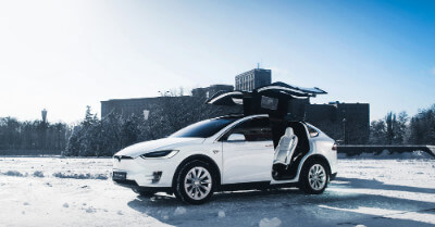 How Do Teslas Do In The Snow?   CarShtuff