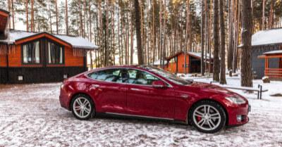 Best Tesla For Snow   CarShtuff