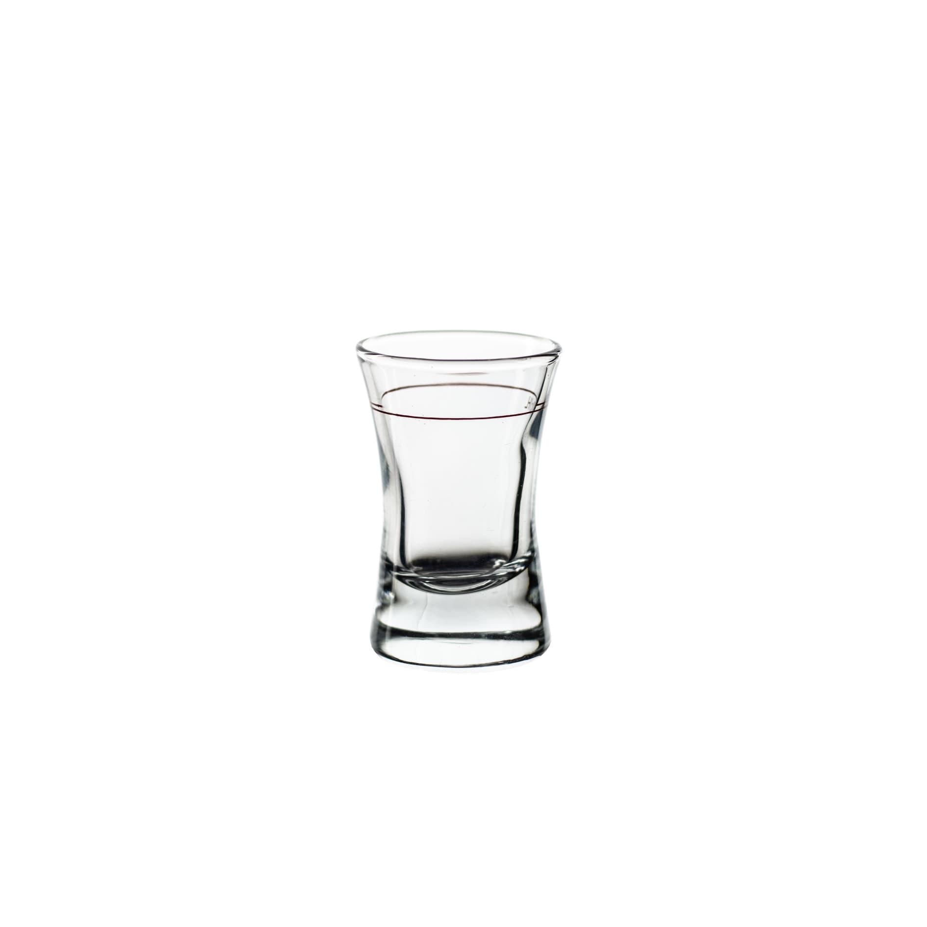 Shotglas geschwungen