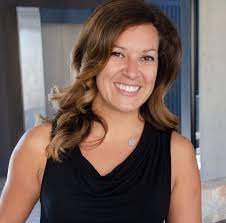 003: Nomad Tax Tips & More with Krystal Pino