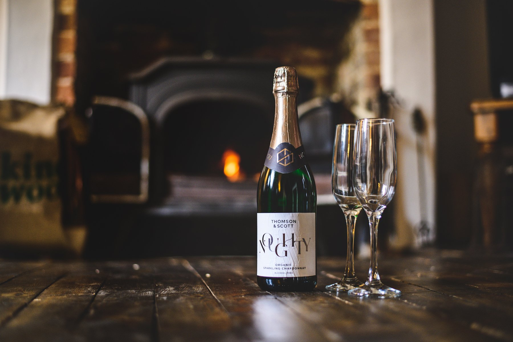 """In their list of """"Best non-alcoholic wine 2021: The best low-alcohol and alcohol-free red, white, sparkling and rosé wines,"""" Expert Reviews has placed Noughty in its Best Buy list as the go-to sparkling for those seeking non-alcoholic alternatives to Champagne and Prosecco."""