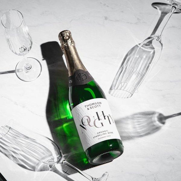 London's premium What To Do guide, The Handbook has singled us out as the perfect sparkling alternative to alcohol in its January feature on glamorous booze-free drinks.
