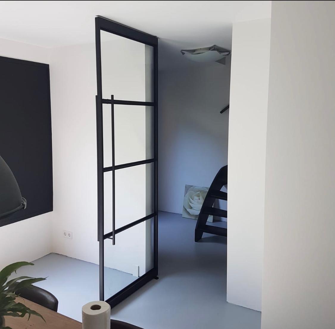 Stalen deur voorbeeld woning