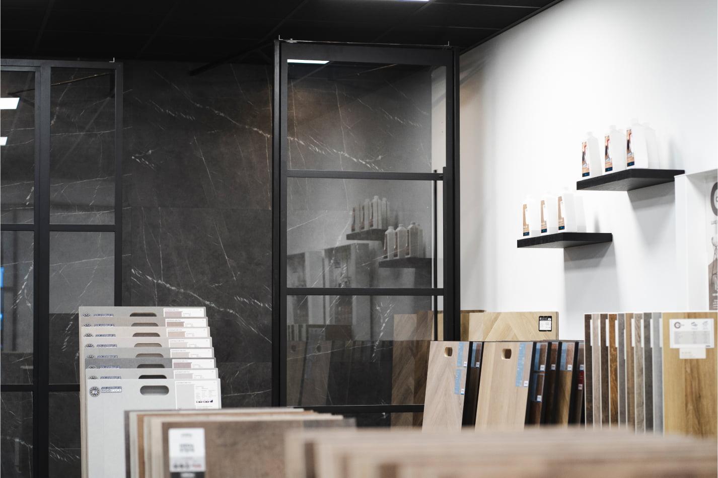 Stalen deur en pvc vloeren showroom topstalendeur.nl