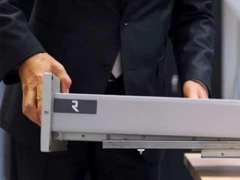 Comment enlever le tiroir 908?