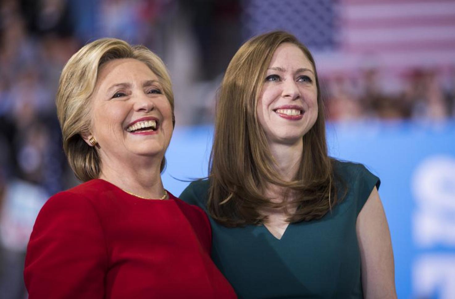 Photo of Hillary Clinton and Chelsea Clinton