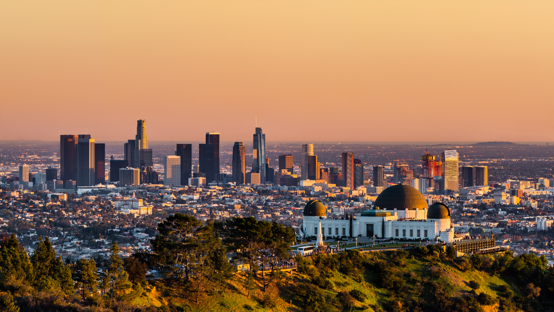 A view of Los Angeles with a focus on the Griffith Observatory in Hollywood.