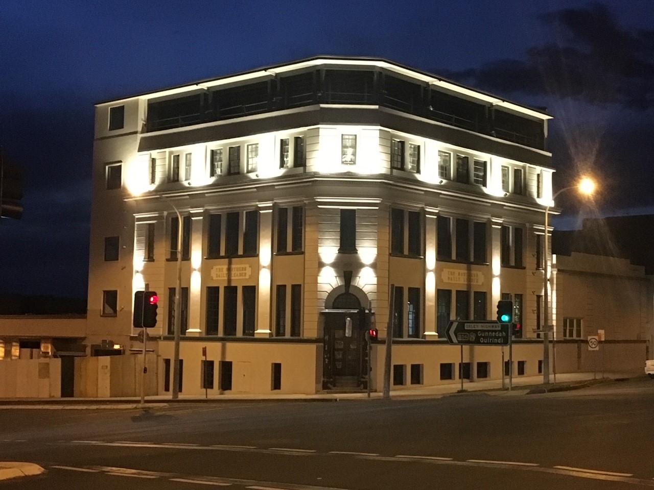 Leader Building
