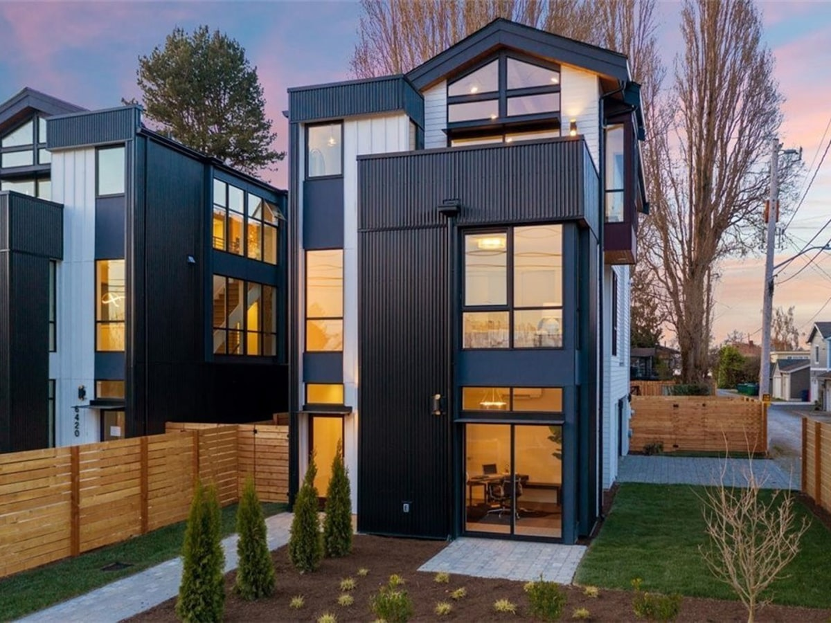 Black and White Modern Metal Exterior in Seattle
