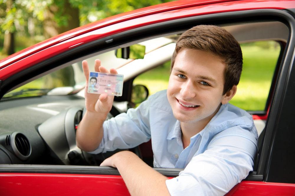 Back to school: Ten tips for teen drivers