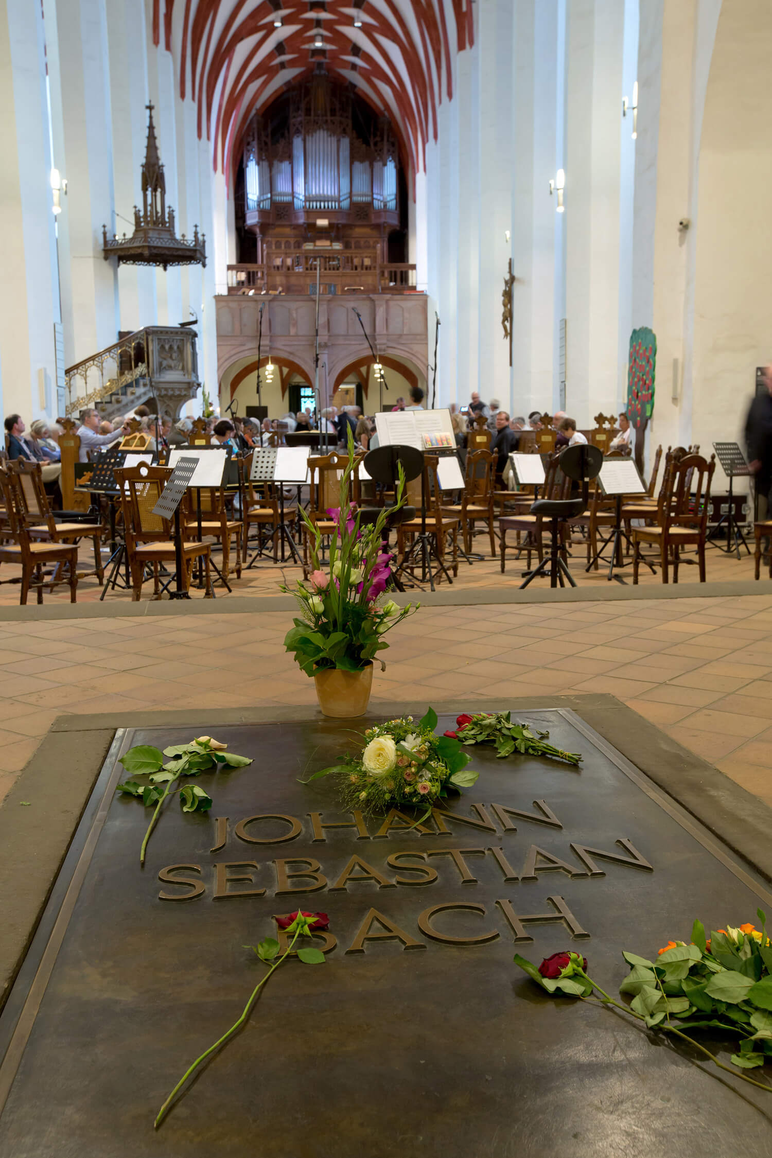 Bachgrab in der Thomaskirche / Foro Gert Mothes
