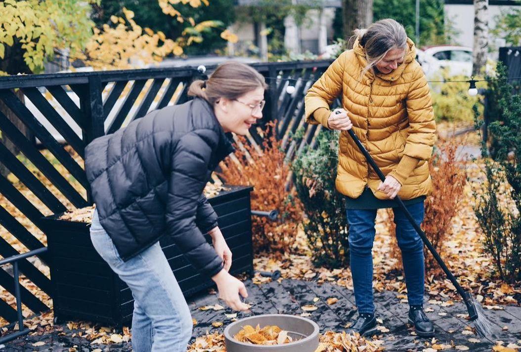 gardening with elderly
