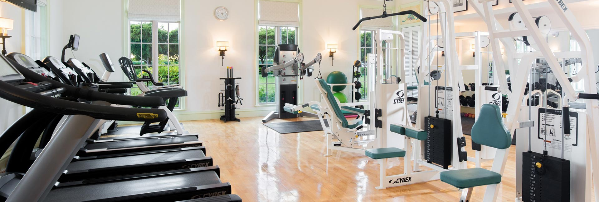 The Palms fitness center offers exercise equipment, & onsite personal trainers.