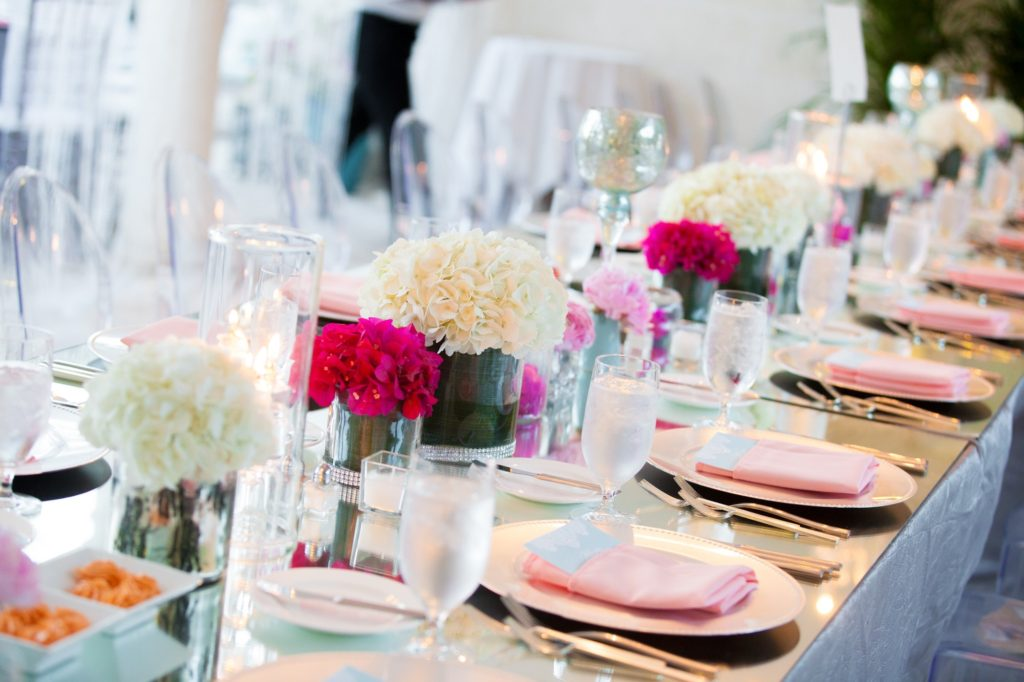 With facilities for up to 150 people, The Palms hosts weddings & events in a Caribbean setting.