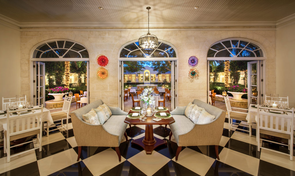 dining and lounge the palms turks and caicos
