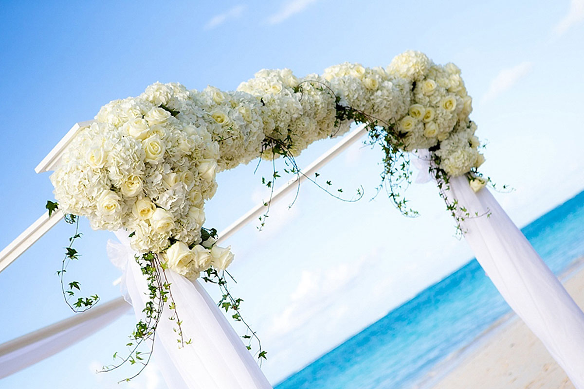 Beachside wedding on Grace Bay at The Palms