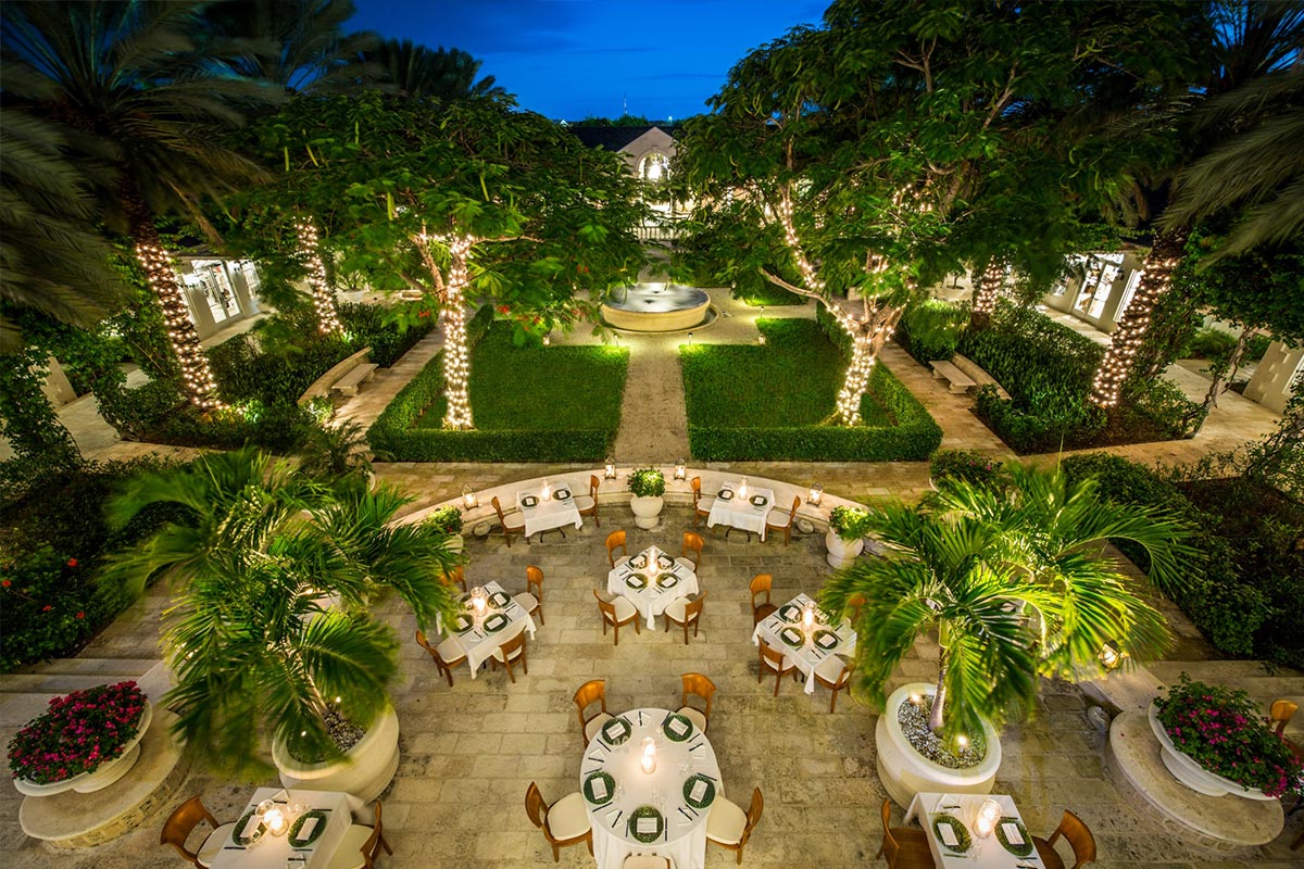 Outdoor dining at The Palms Turks and Caicos