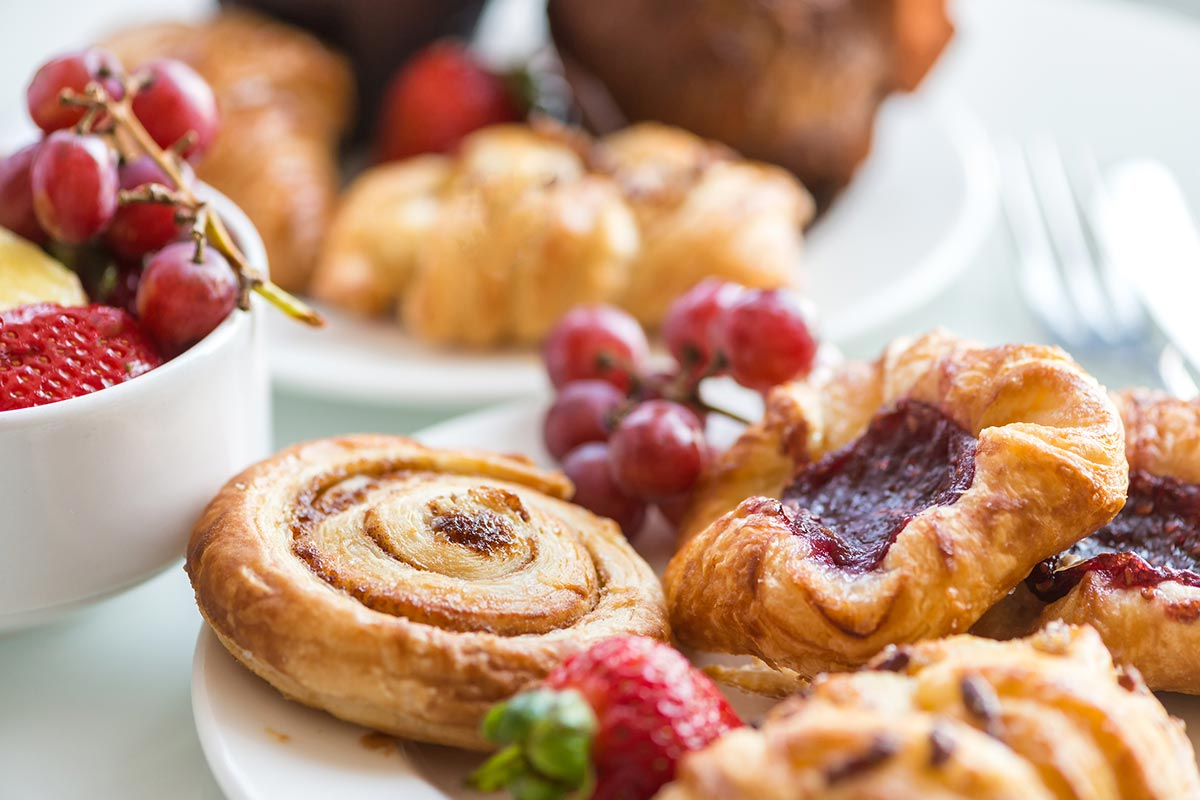 An extensive hot and cold buffet includes fresh fruit, breads and pastries, yoghurts and traditional breakfast favourites.