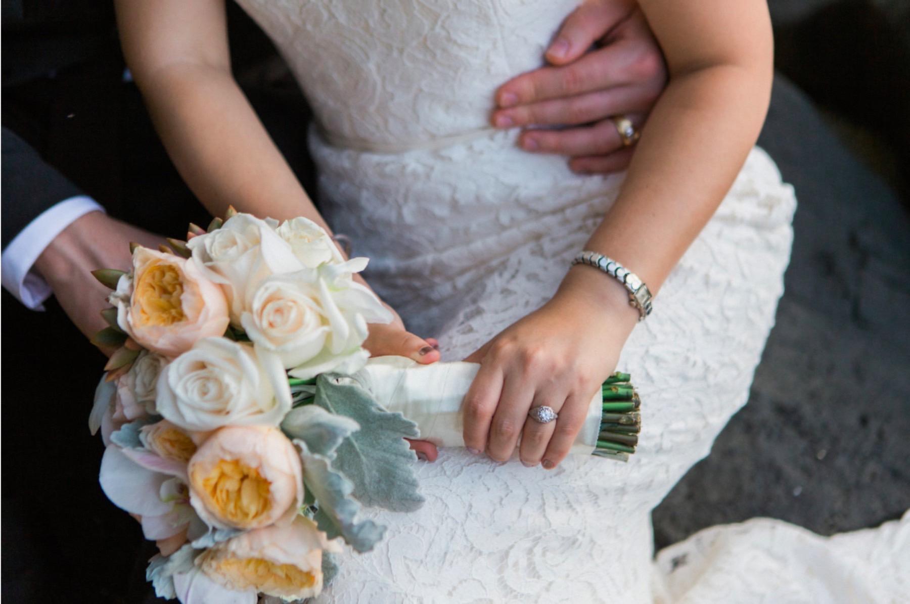 Closeup of flowers for Parisa and Stuart's elopement.
