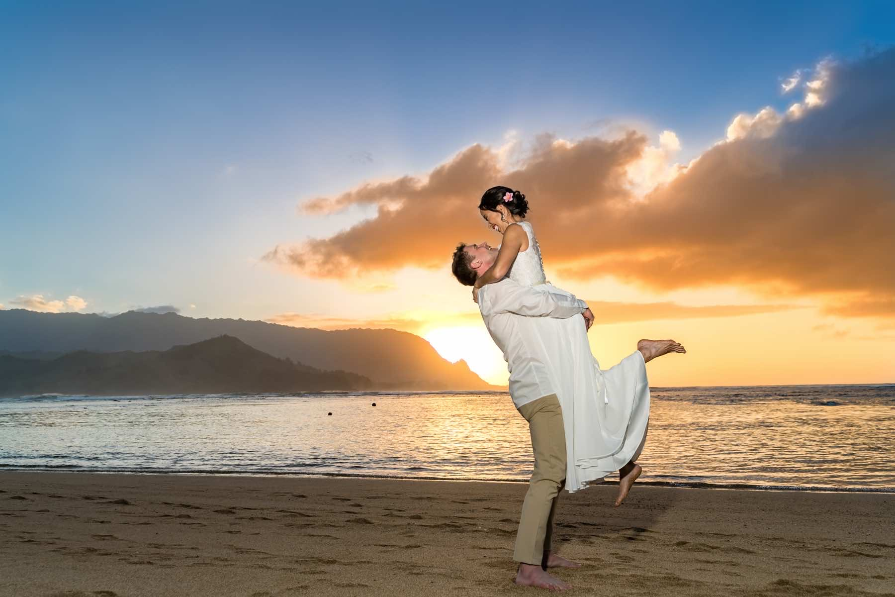 Lauren and Lars on their wedding day in Kauai.