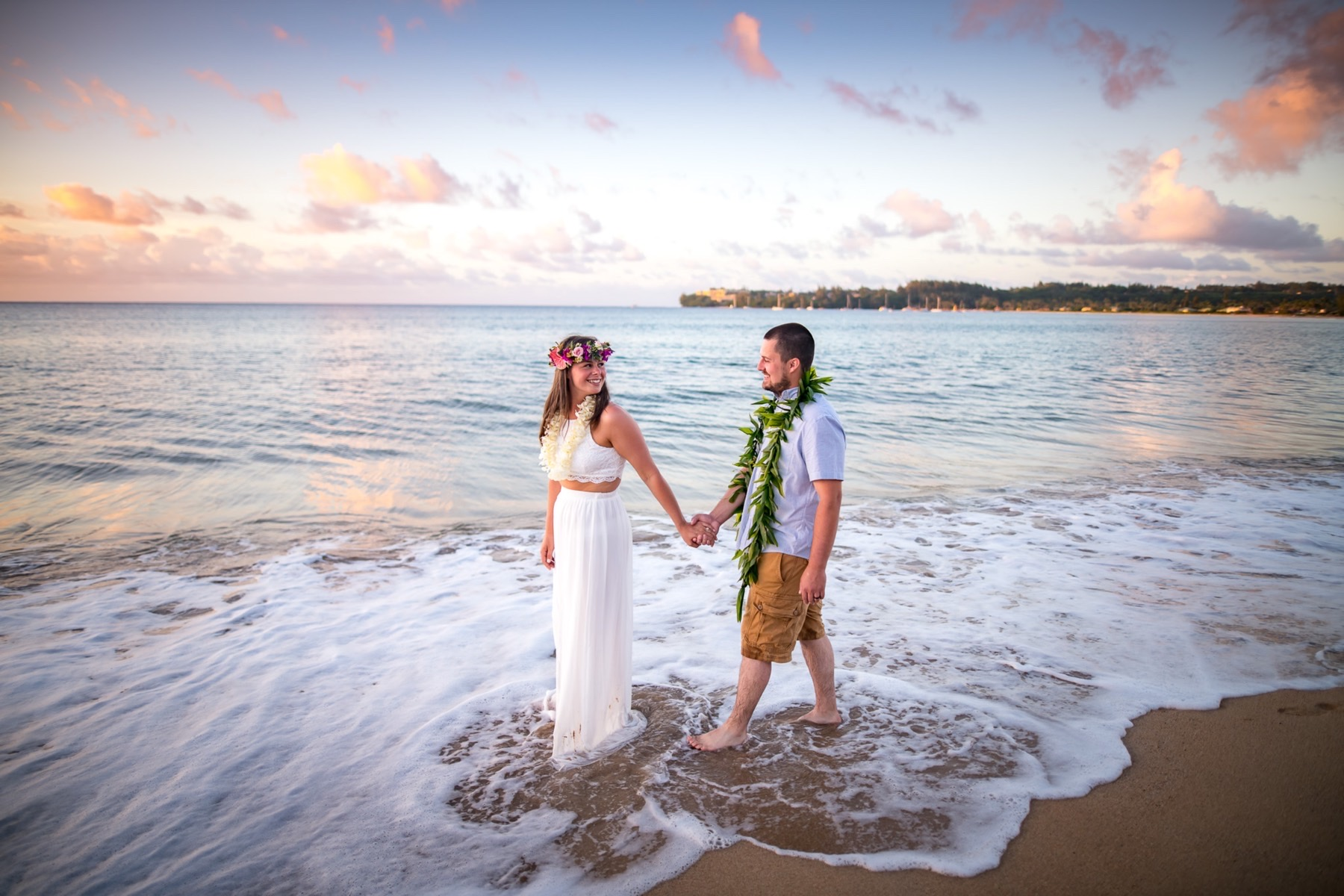 Cherina & Jesse on the beach in Kauai.