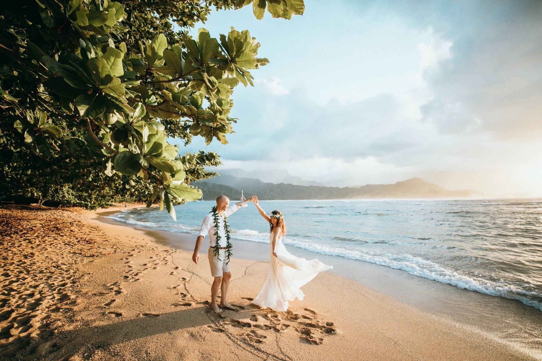 Marina & Sebastian on the beach in Kauai.