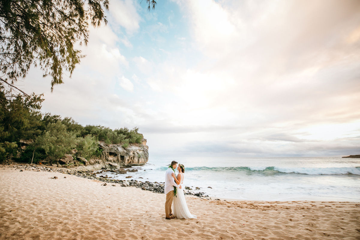 Amanda & Tyler eloping in Kauai.