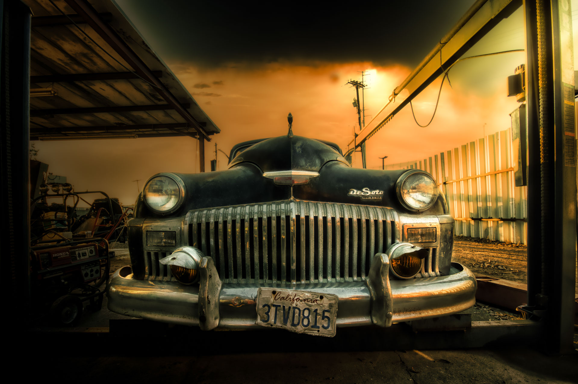 DeSoto - a professional photography of classic American car models: the hottest events in the world of auto industry, high-quality photo studio and editing services.