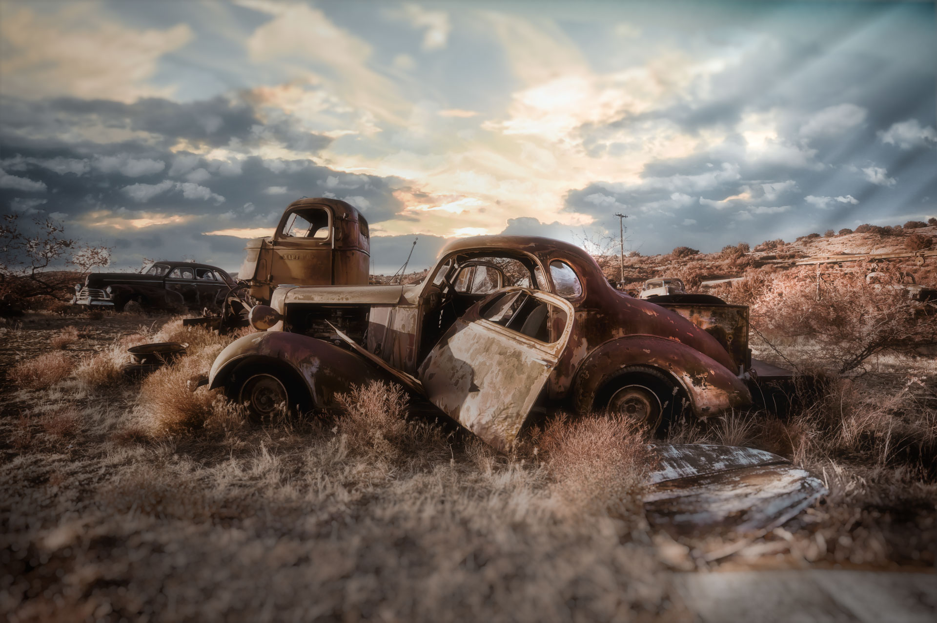 """Photographer Sergio De Soto is a self-proclaimed """"Photograffeur."""" He photographs couples in their classic cars, writes about the process, and circulates it on social media."""