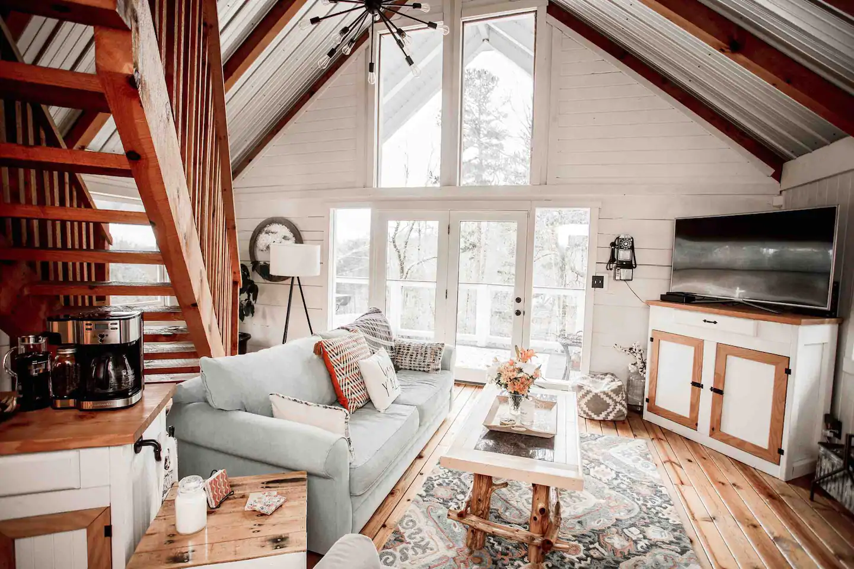 Tennessee Cider Company's Airbnb mason jar lodge living room