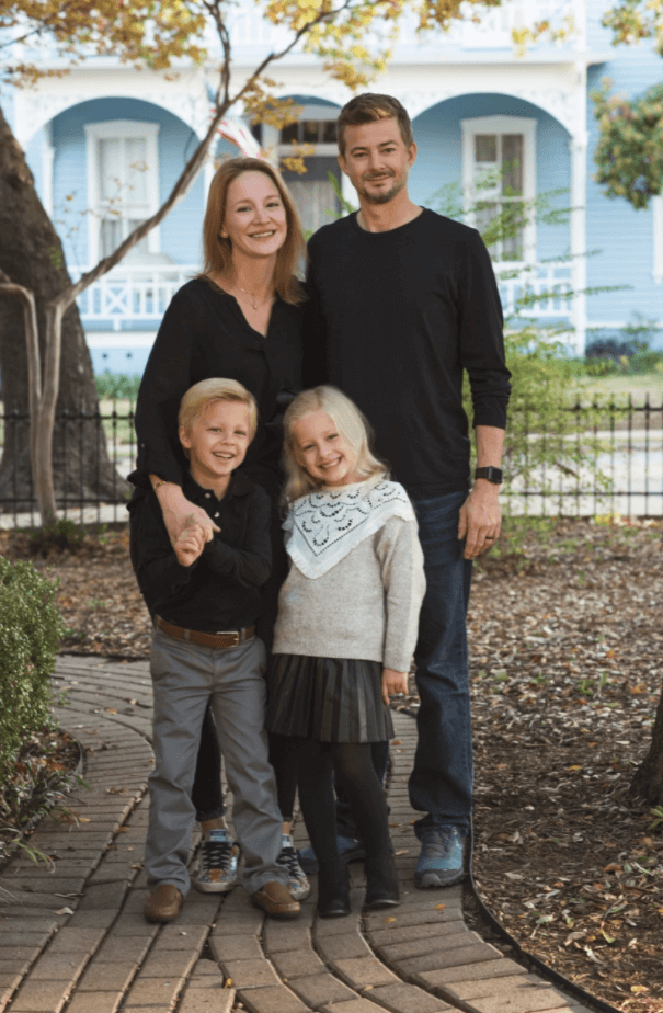 One of the top Texas oral surgeons in Plano with his family.