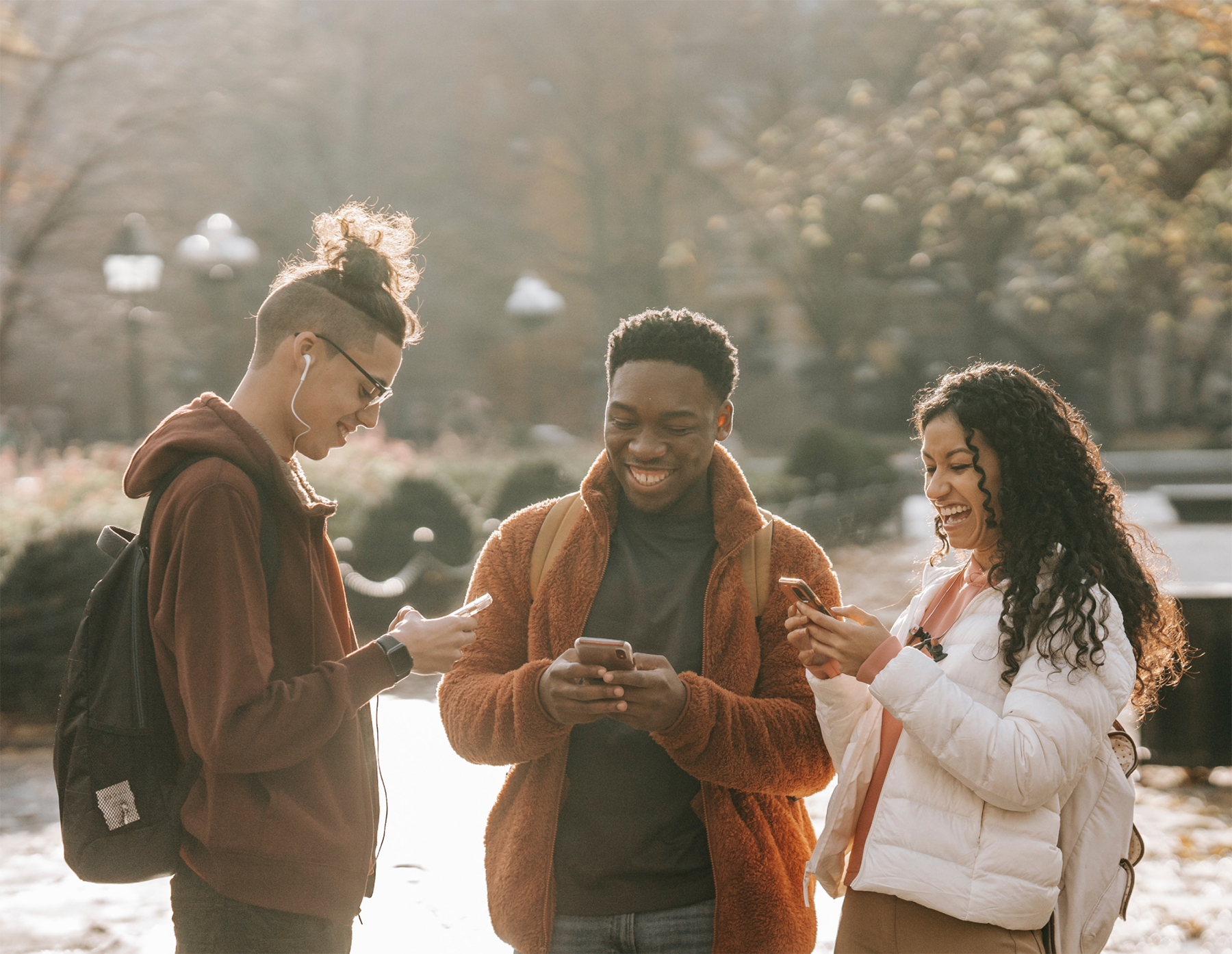 Friends and family enjoy Chimoney pay phone bills product. Stay connect with your love ones by paying their phone bills in once click.