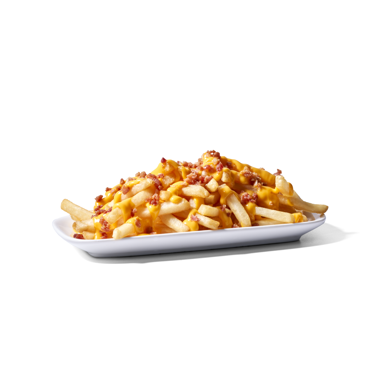 Papas fritas con queso y bacon