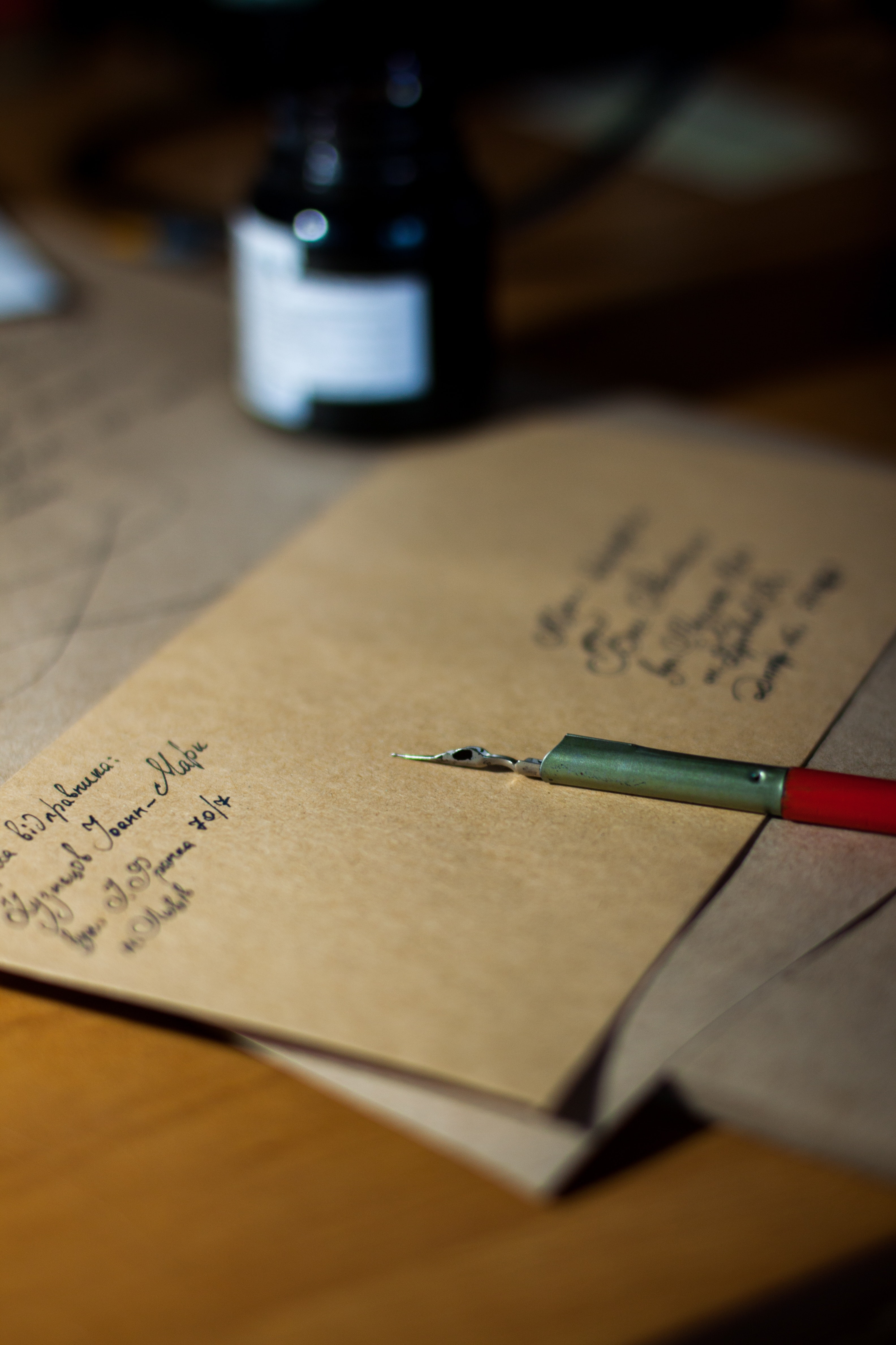 Teachers can assess students' writing abilities by having them write a letter