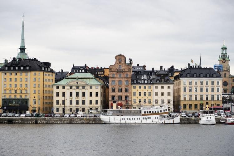 Downloadable EFL Lesson: Midsummer in Sweden