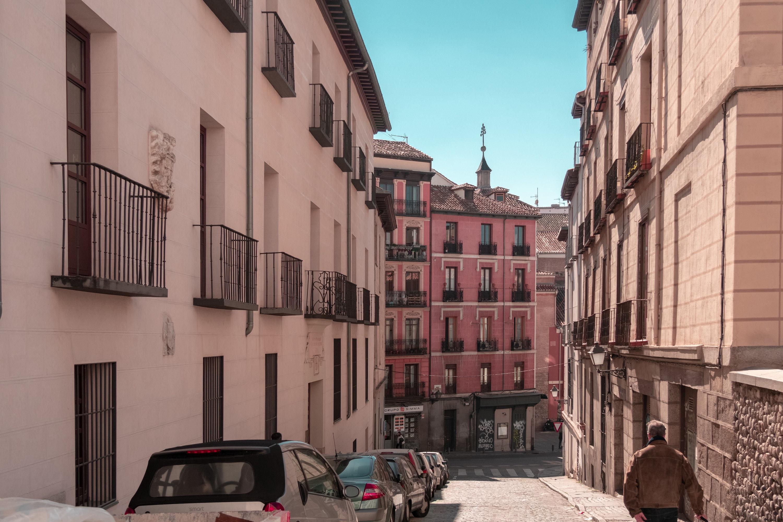 Un Auténtico Chorizo: Teaching for a Cowboy Outfit in Madrid