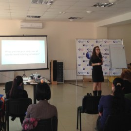 Having small activities throughout your TEFL presentation can keep things from getting boring