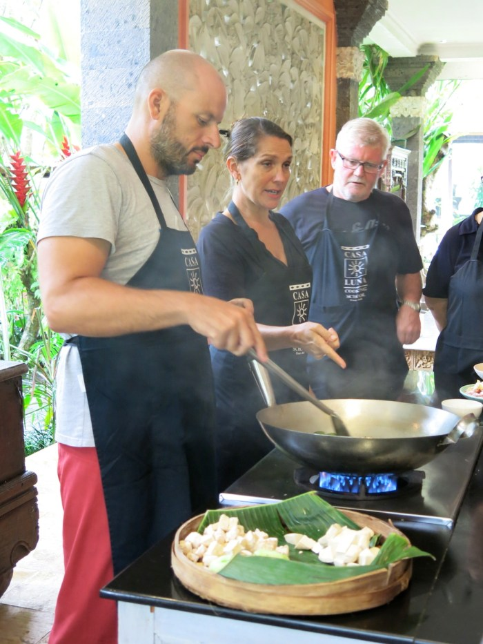 From cooking to brunching, foods unite people on the meetup.com website