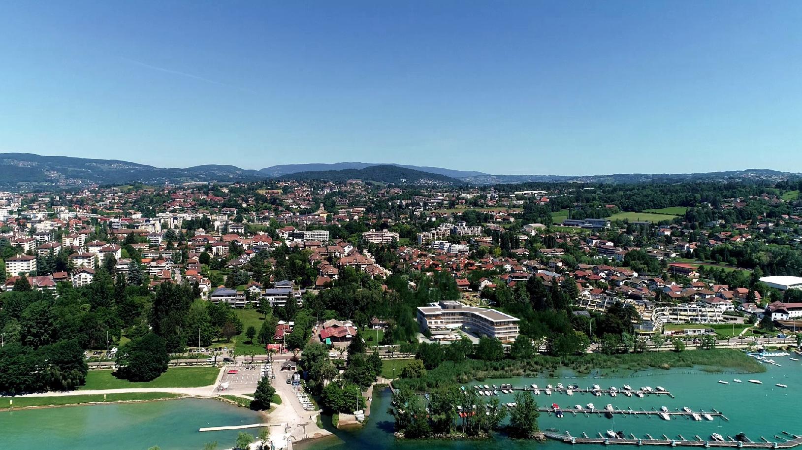 Vue aérienne de l'Hôtel Rivage Au Bord Du Lac d'Annecy